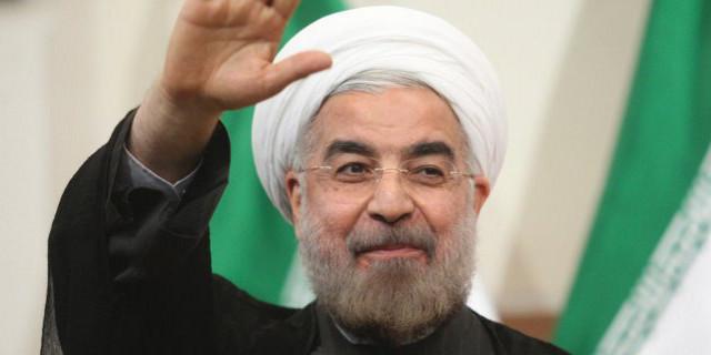 Rohani mit Hitlergruß an den Führer Khamenei