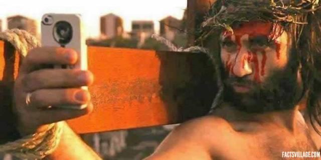 jesus-taking-a-selfie