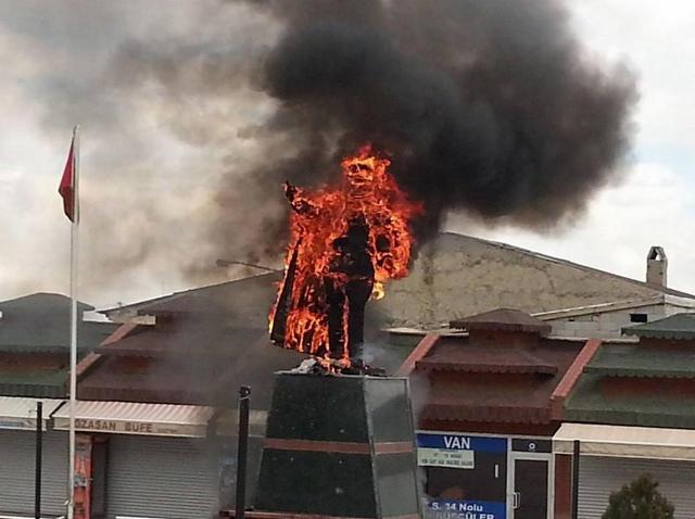 Atatürk on fire