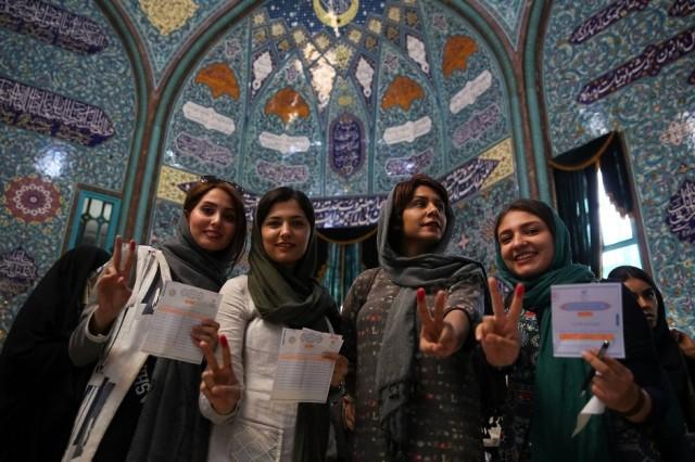 Iranische Frauen bei der Wahl 2017
