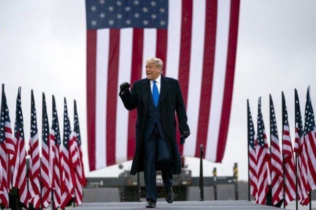 Präsident Donald Trump, Der letzte Mohikaner